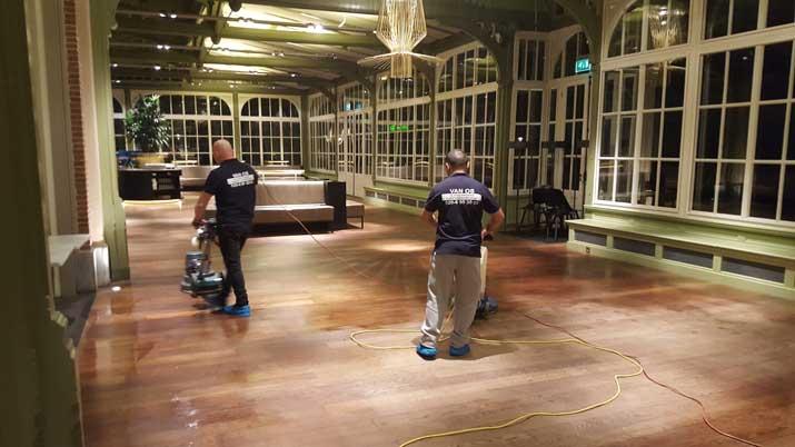 houten vloeren reinigen